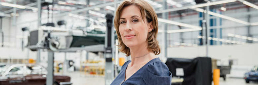 GIRLS OF THE AUTOMOTIVE SECTOR WOMEN IN THE AUTOMOTIVE INDUSTRY