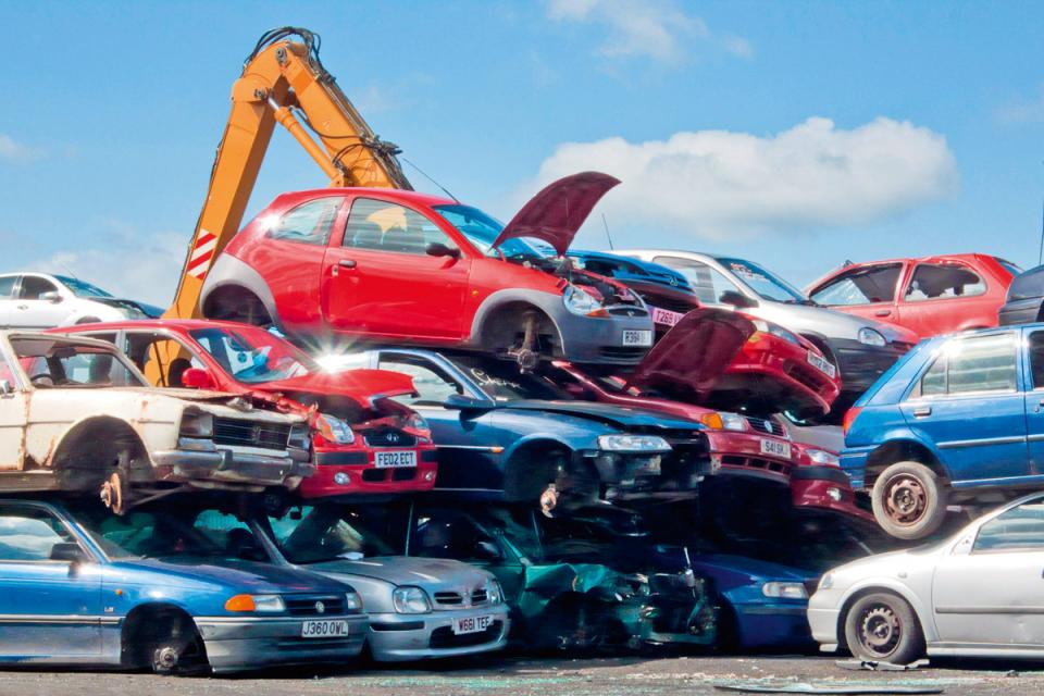 Four Reasons to Sell Your Junk Car for Cash